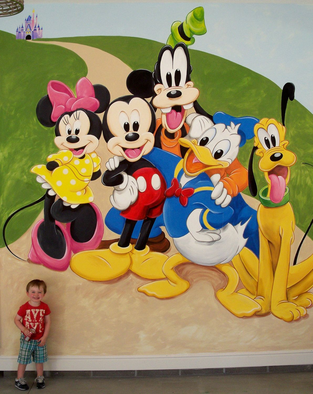 Mickey+Mouse+and+Friends+Mural+by+LynneMackMurals+on+