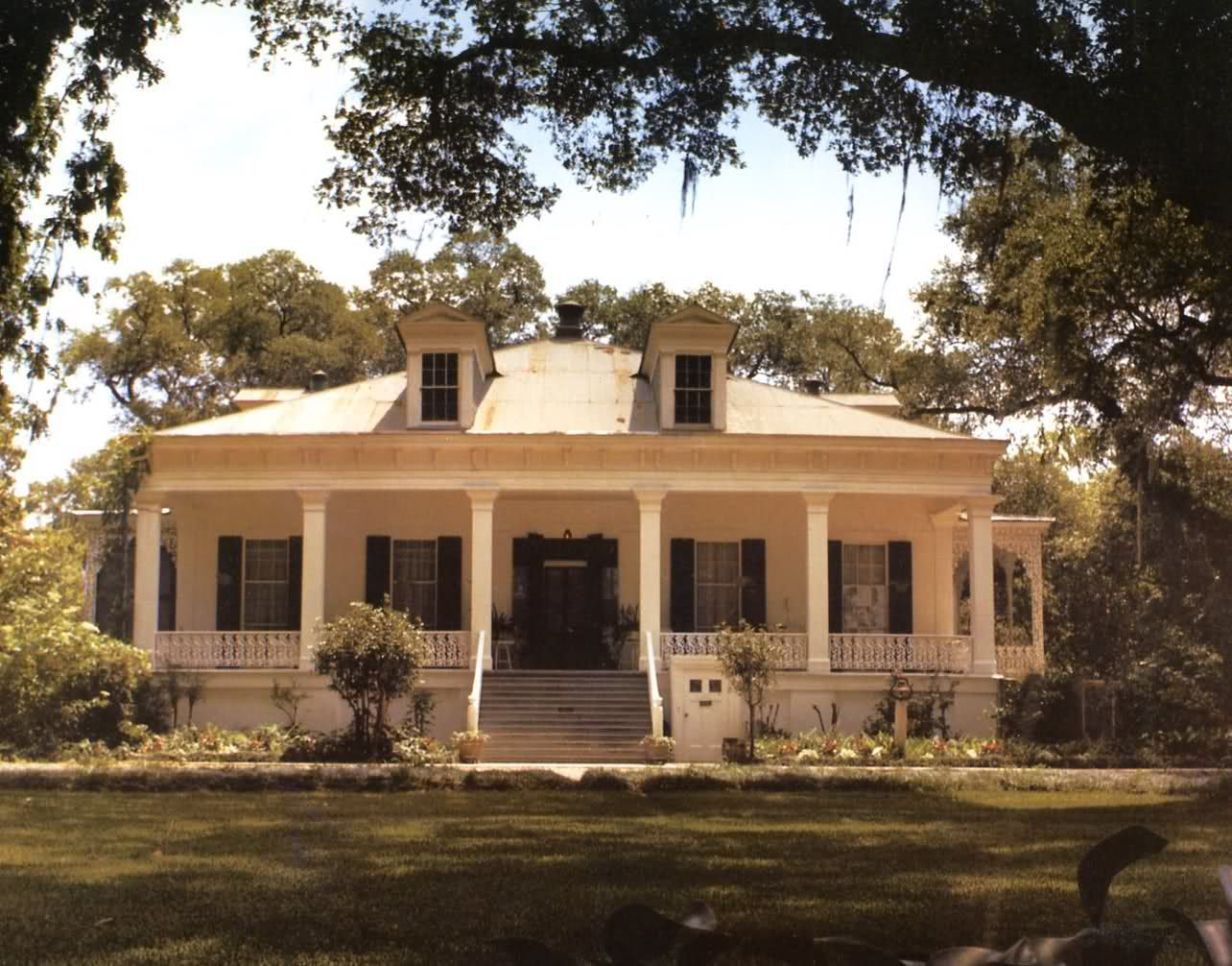 Please  please  please help me find a planAillet House  circa 1830  2 story Creole cottage on the campus of  . New Orleans Creole Cottage House Plans. Home Design Ideas