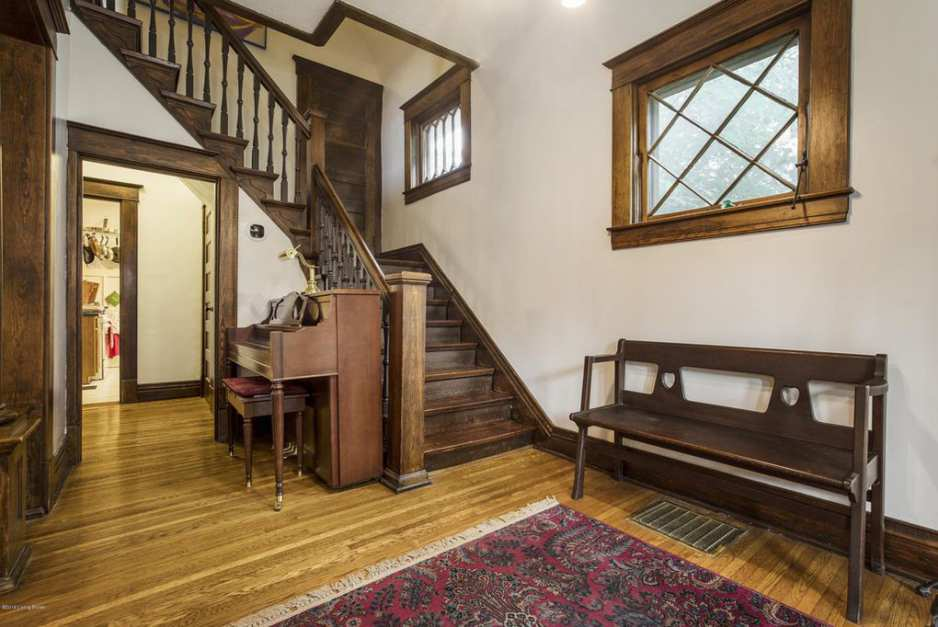 1911 Louisville Ky 320 000 With Images Old House Dreams Old House Red Oak Floors