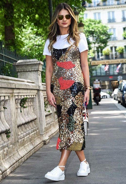 f9ce0cc92 A '90s-Inspired Way To Wear A Sequin Dress (Le Fashion ...