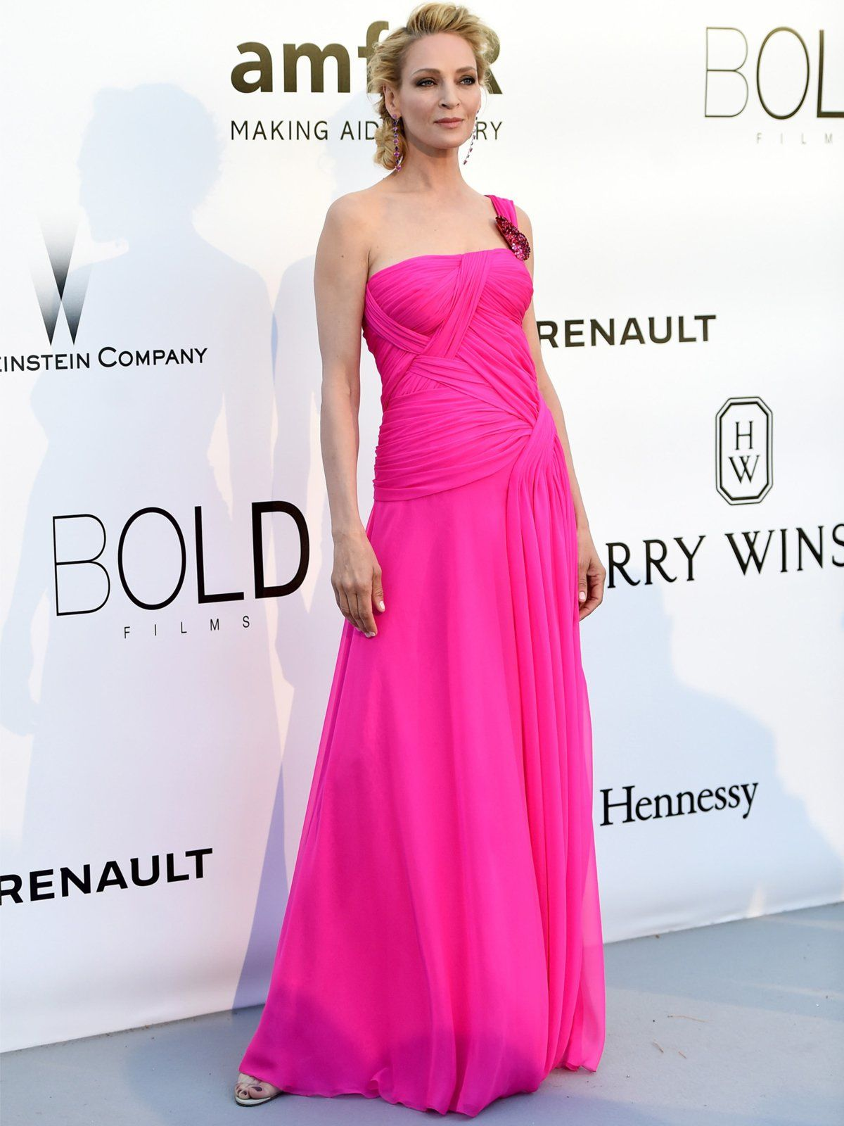 Uma Thurman amfAR Gala in Cannes 2016 | Pinkes kleid, Rote teppiche ...
