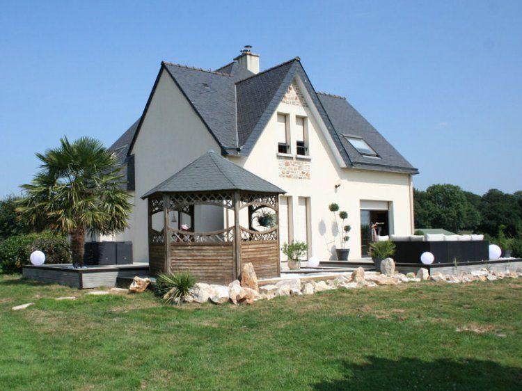 Une terrasse aménagée dans un style design | terrasse | House styles ...