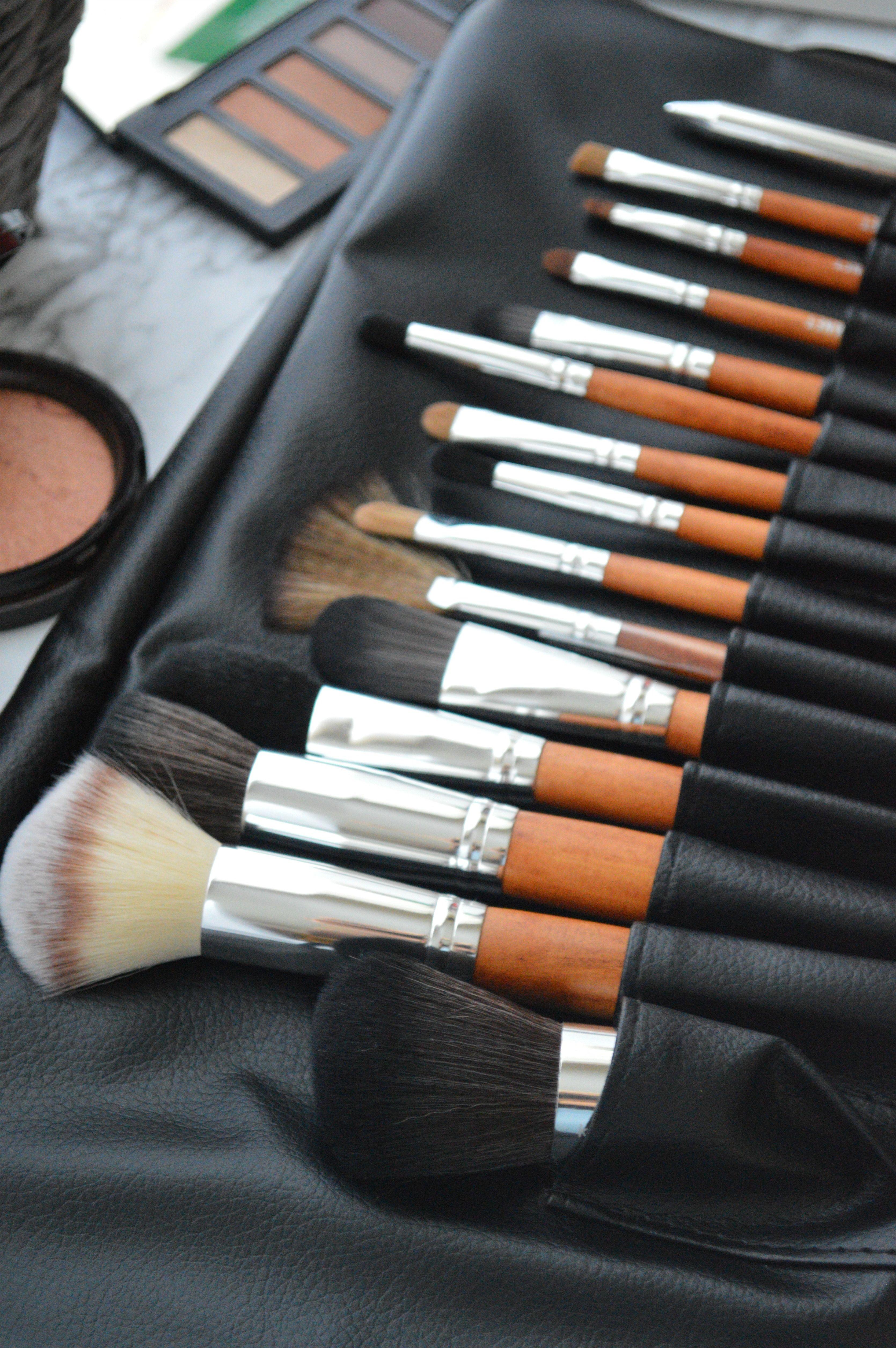 Vanity Makeup Brush Collection + Vibrating Flat