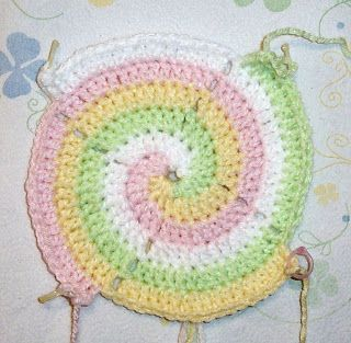 SmoothFox Crochet and Knit: SmoothFox's Four Color Spiral Blanket - Free Pattern