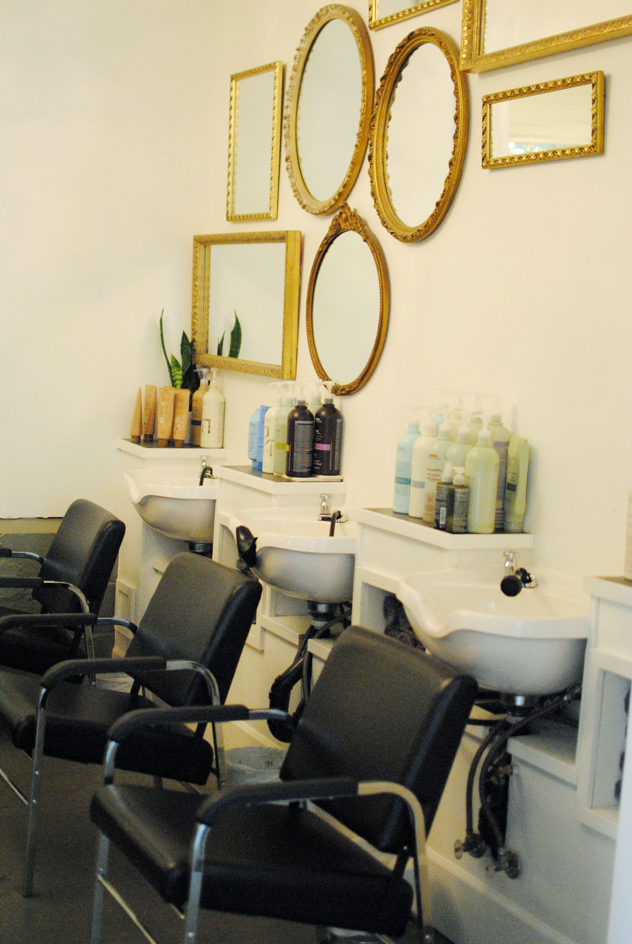 trim hair salon interiordecor chaise. Black Bedroom Furniture Sets. Home Design Ideas