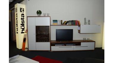 m bel weirauch oldenburg ausstellungsst cke h lsta wohnwand mento in zweifarbiger. Black Bedroom Furniture Sets. Home Design Ideas