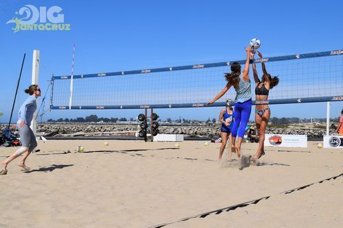 Santa Cruz Beach Volleyball Photos See More Photos At In 2020 Volleyball Photos Santa Cruz Beach Volleyball