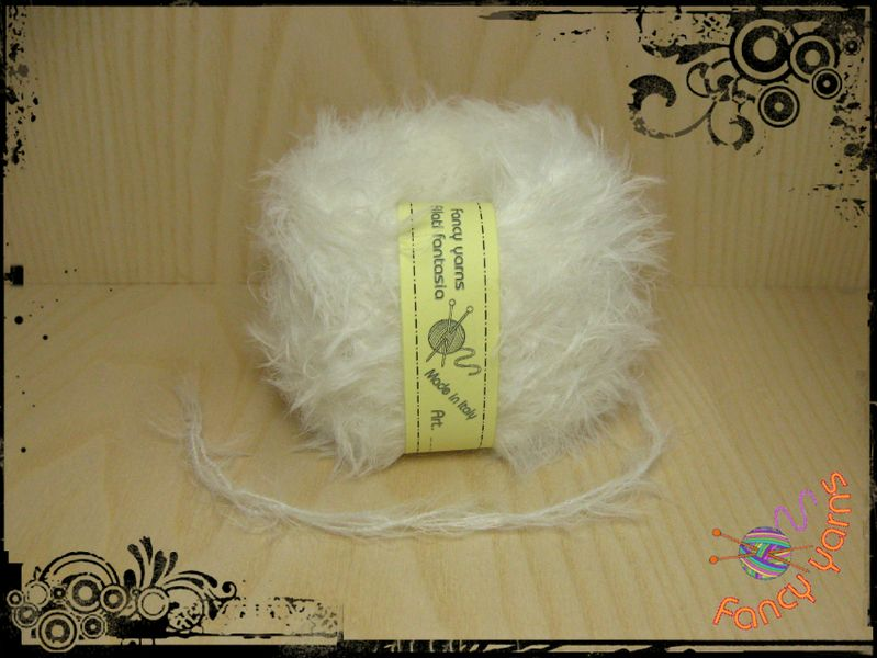 1 gomitolo 50 grammi, colore bianco 75PA13WM12PC di Fancy yarns su DaWanda.com
