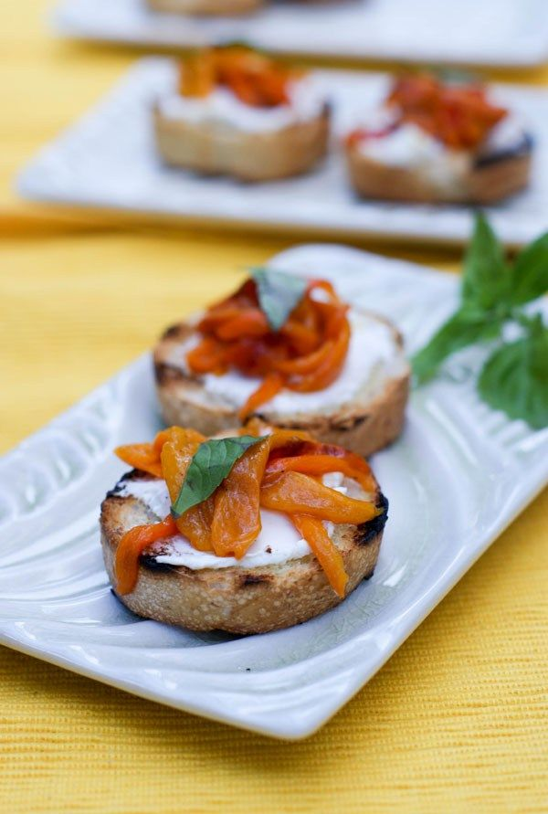 Cream cheese and Peppers Crostini – SugarLoveSpices