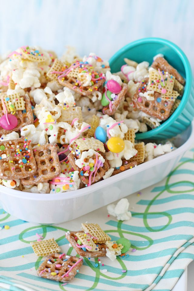 Perfect Party Snack Mix Sweet Salty Crispy Amazing Snack Mix Almond Bark Recipes Popcorn Snacks Mix