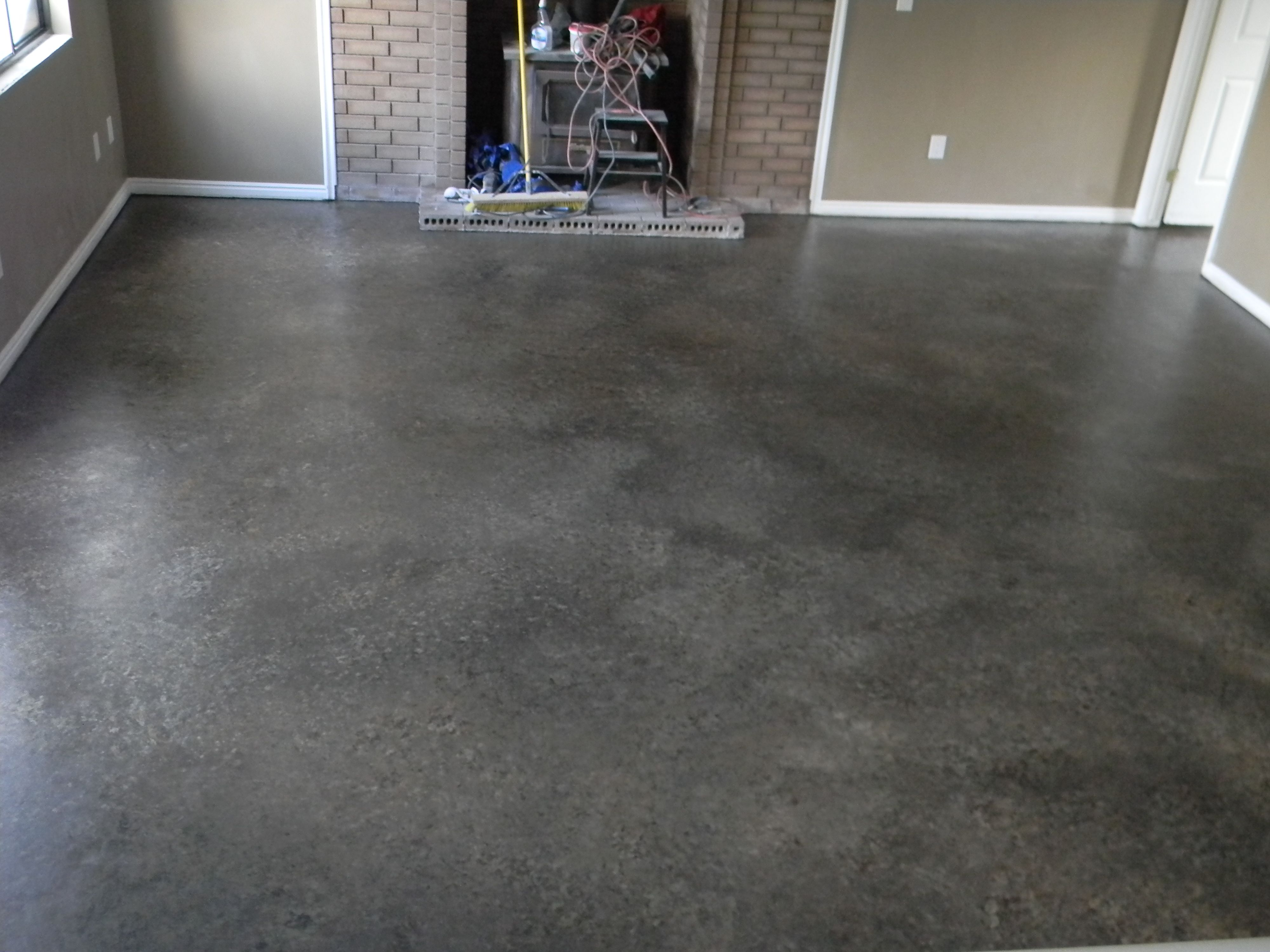 My Best Diy Project Yet I Painted Concrete Floor Did It All By Myself 2 Cans Of Lowes And Paint In Gray For The Primer