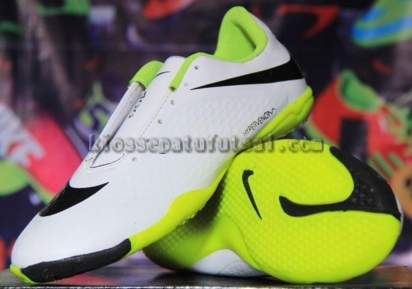 Pin Oleh Sepatu Futsal Di Sepatu Futsal Nike Hitam Dan Sepatu