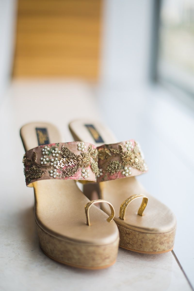 Customized bridal shoes matching with the bride's pastel