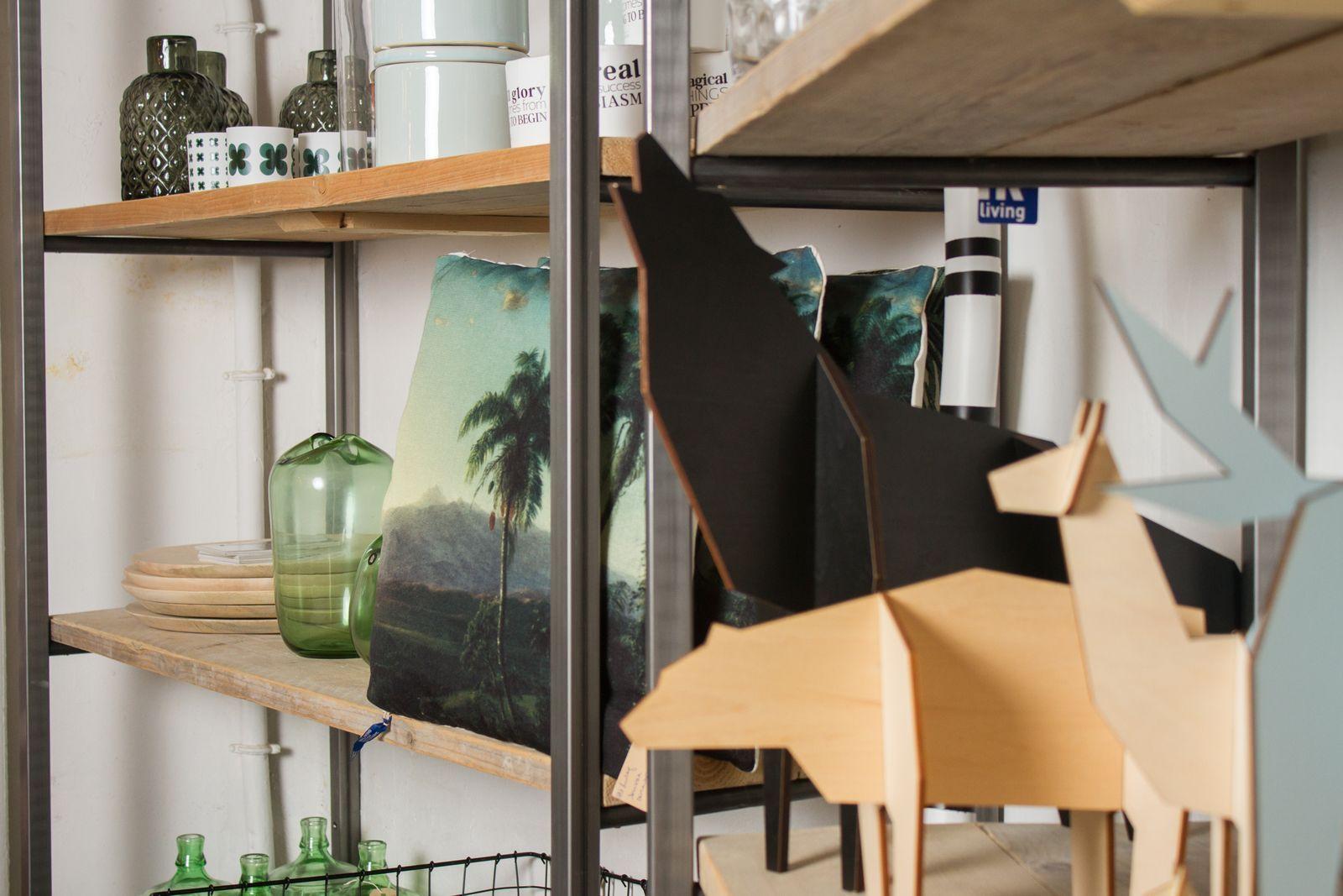 Scandinavisch Design Meubelen : Conceptstore huis5. op maat gemaakte meubelen van pure wood design