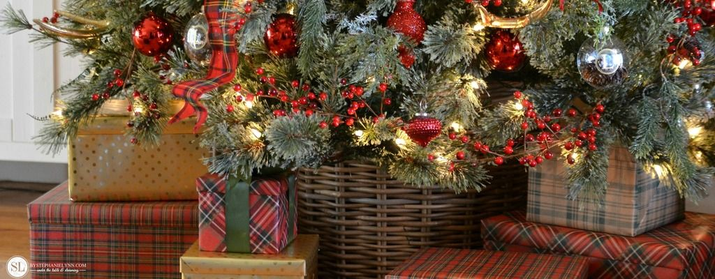 Traditional Red Tartan Plaid Christmas Tree | 2016 Michaels Dream Tree Challenge #michaelsmakers