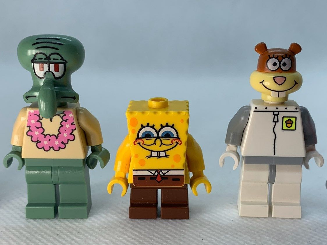 5 Authentic Lego Spongebob Minifigures please review