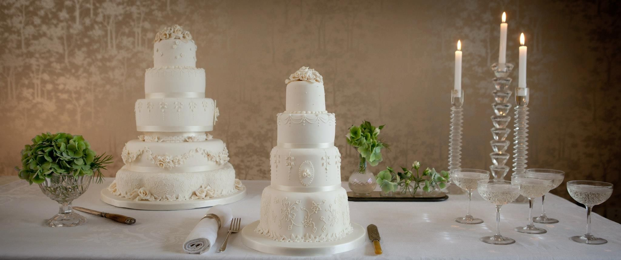 Fiona Cairns Make Luxury Cakes In The Heart Of Uk Our Bespoke Wedding Are Decorated House Style Clic With A Modern Twist