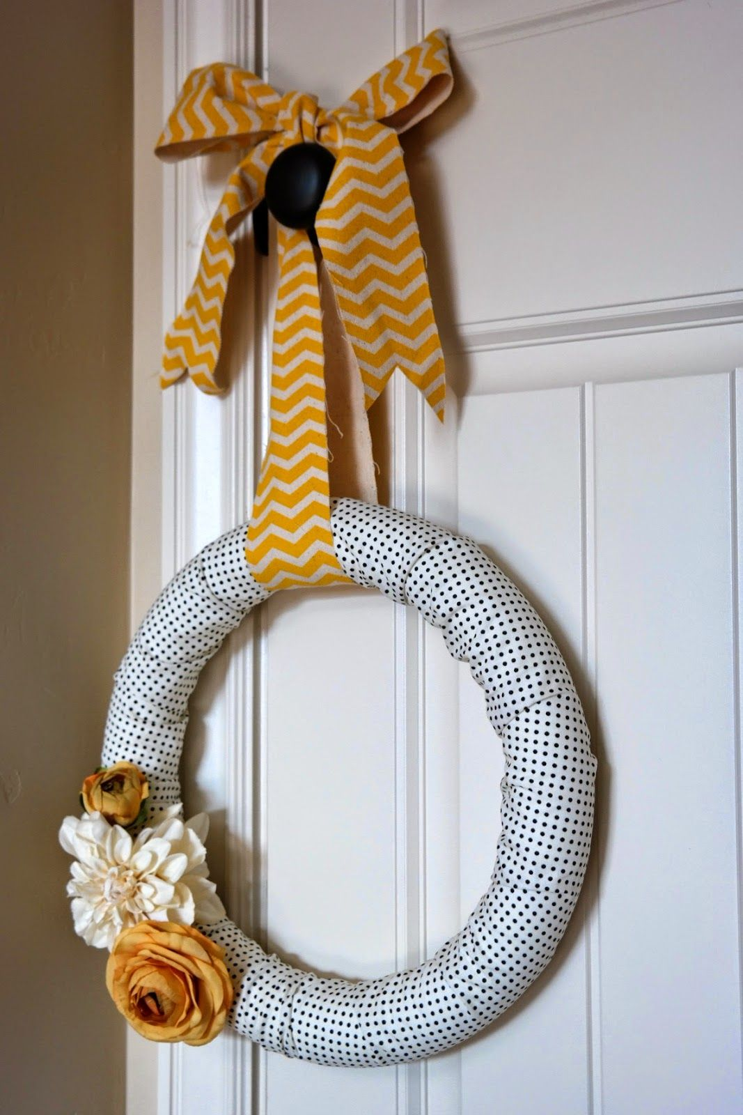 Photo of Chic Fabric Wreath Made in Less than 15 Minutes   Only requires foam wreath, 1/4…