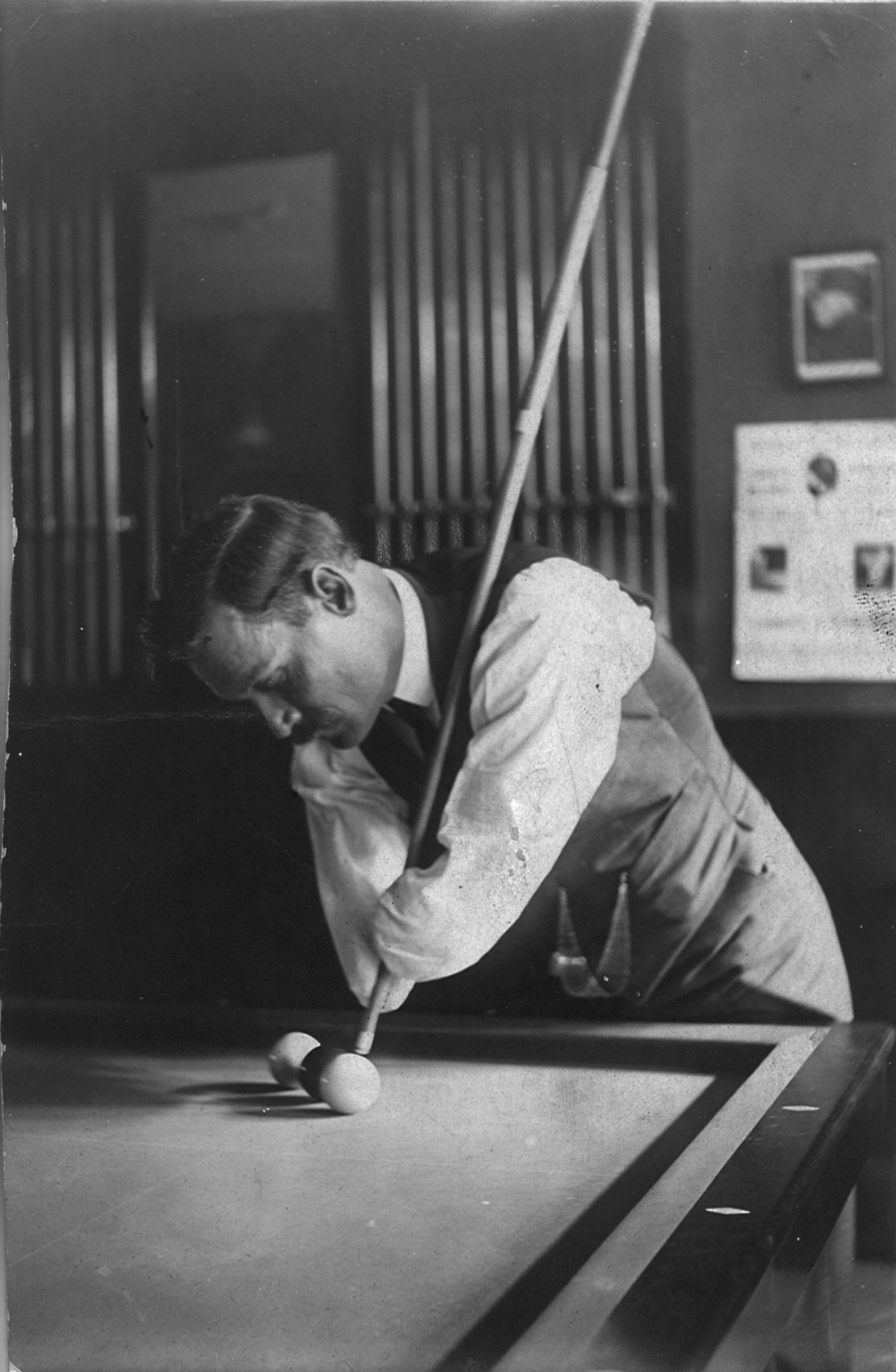 """George H. Sutton (1870 - 1938) was known as the """"handless billiard ..."""