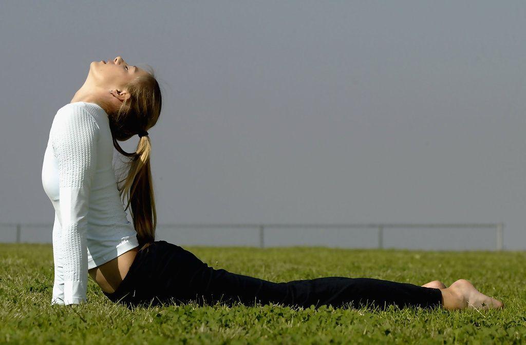 Maria Sharapova Photos - Maria Sharapova Yoga Feature - Zimbio