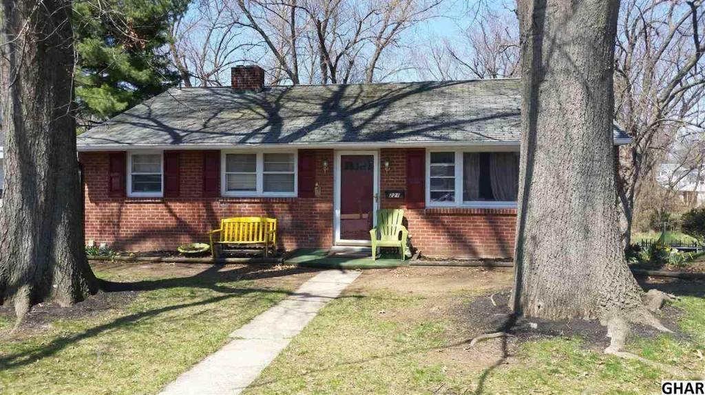 221 Snyder Avenue Elizabethtown Pa 17022 Homesale Com Mls Id 10277733 Elizabethtown Real Estate Home Ownership