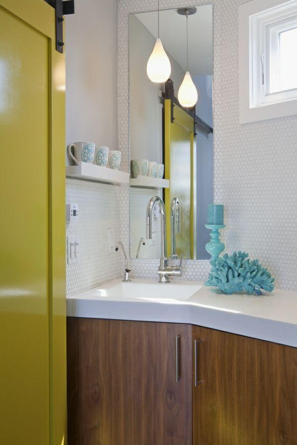 Eckschrank für bad  kleines-Bad-mediterranisch-Stil-blau-gelb-Eckschrank-Waschbecken ...