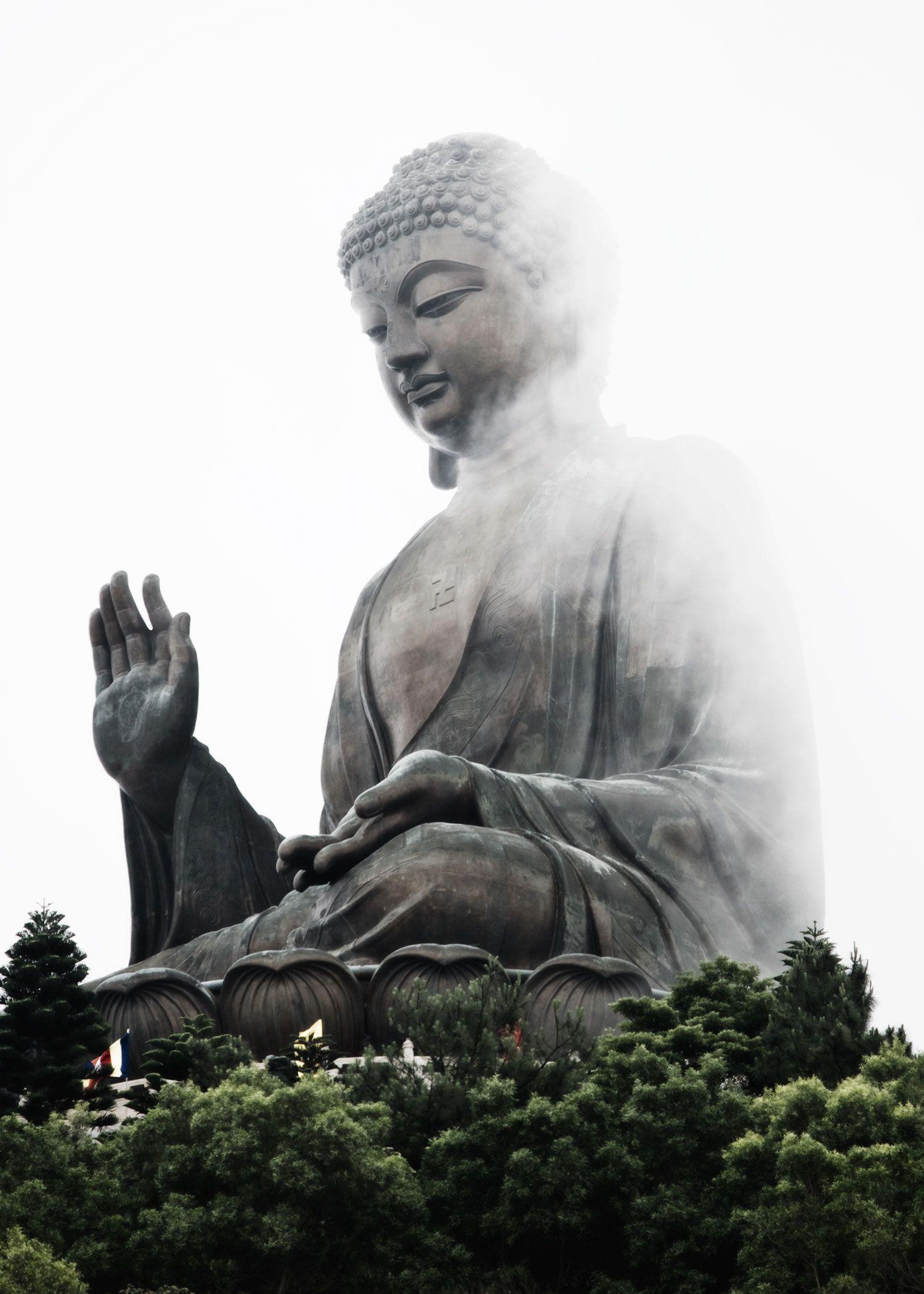 Tian Tan Buddha I love this picture taken by Deborah