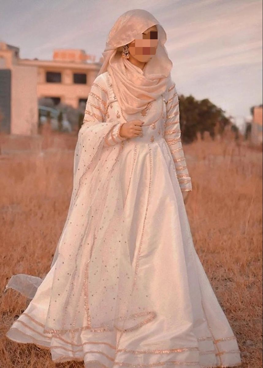 Pin By Dulhan Zari On Party Weary Maxi In 2021 Victorian Dress Fashion Dresses [ 1200 x 858 Pixel ]