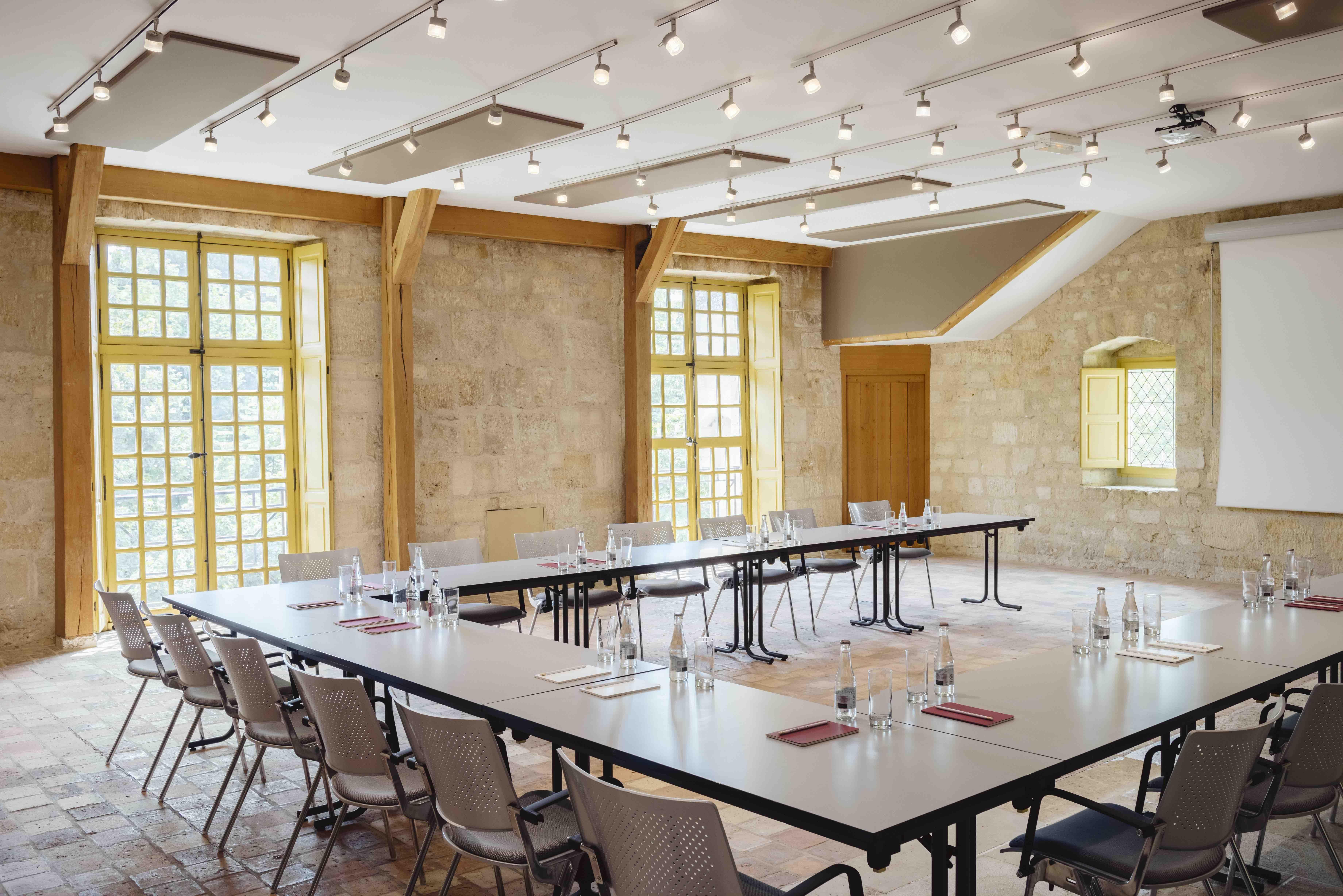 La Poivrière, une salle adaptée aux conférences, cabaret, réunions et ateliers. © Jérôme Galland #Royaumont #abbaye #événement #event #séminaire