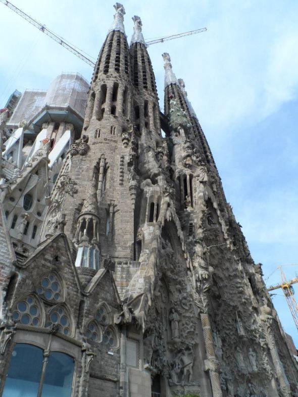 A Gaudí Guide to Barcelona