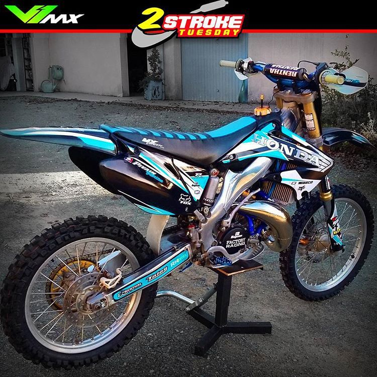 A Pop Of Purple Pink Or Lime Would Look Awesome With This Scheme Dirt Bikes Dirtbikes Motocross Bikes