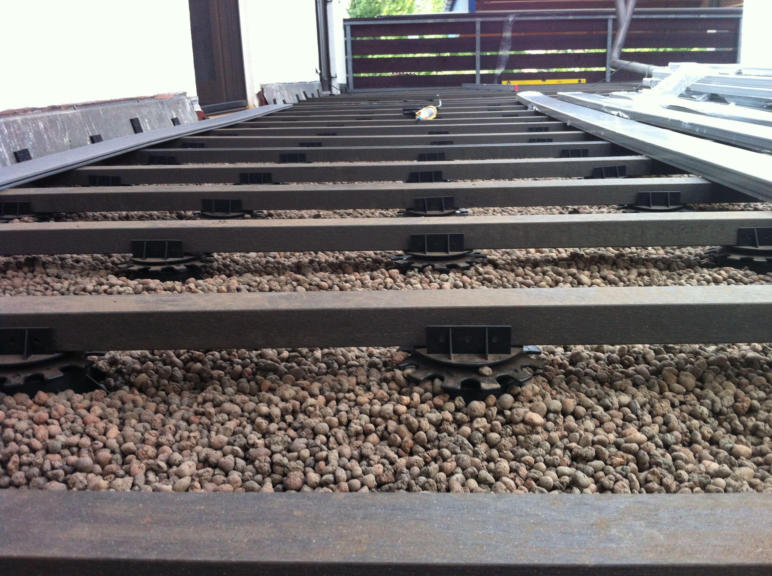 bpc deck auf flachdach ohne gef lle mit tonkugelsch ttung zur aufnahme der pf tzenbildung