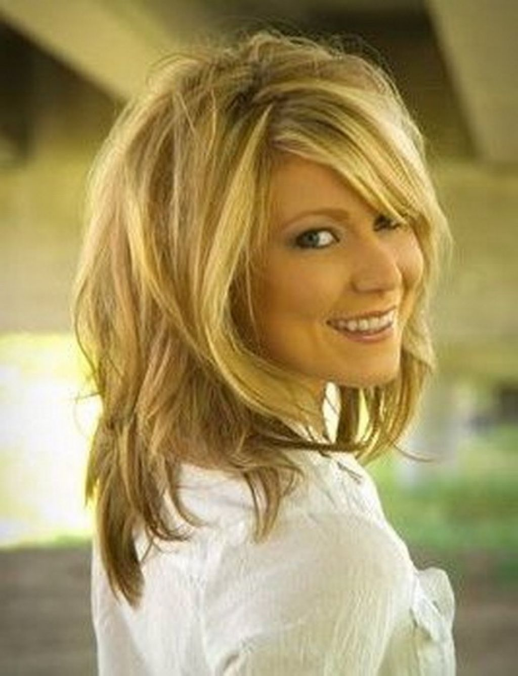 Shaggy shoulder length layered hairstyles for wavy my style layered hair urmus Gallery