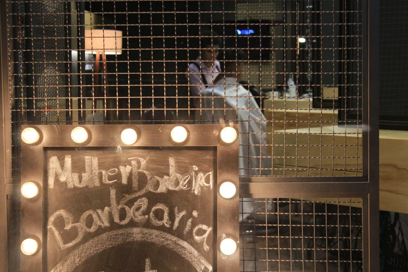 Barbearia de design industrial em Belo Horizonte.  Projeto Maycon Altera. Foto Elisiane Pereira
