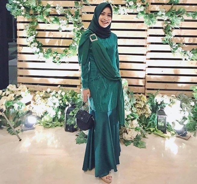 Model Gamis Pesta Brokat Mewah Terbaru Selendang Hijau Fashion Di