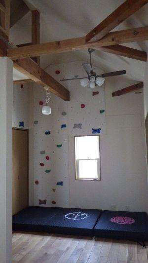 自宅の部屋にクライミングウォールを作ってみよう Bouldering Camp