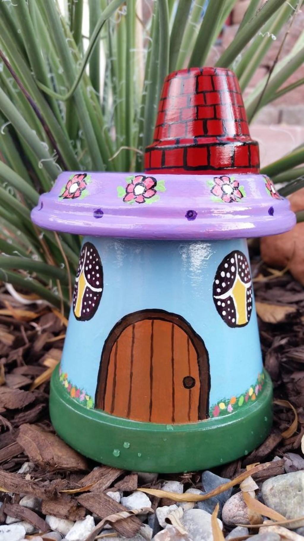 12 nouveaux mod les de d corations de jardin faire avec des pots en terre cuite taaha. Black Bedroom Furniture Sets. Home Design Ideas