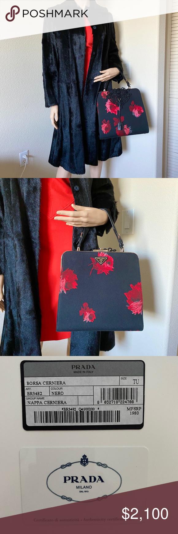 Photo of PRADA Vintage Nappa Cerniera Handbag This vintage rare Prada handbag made of har…