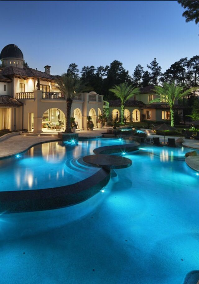 Architecture luxury houses rosamaria g frangini for Modern homes with pools