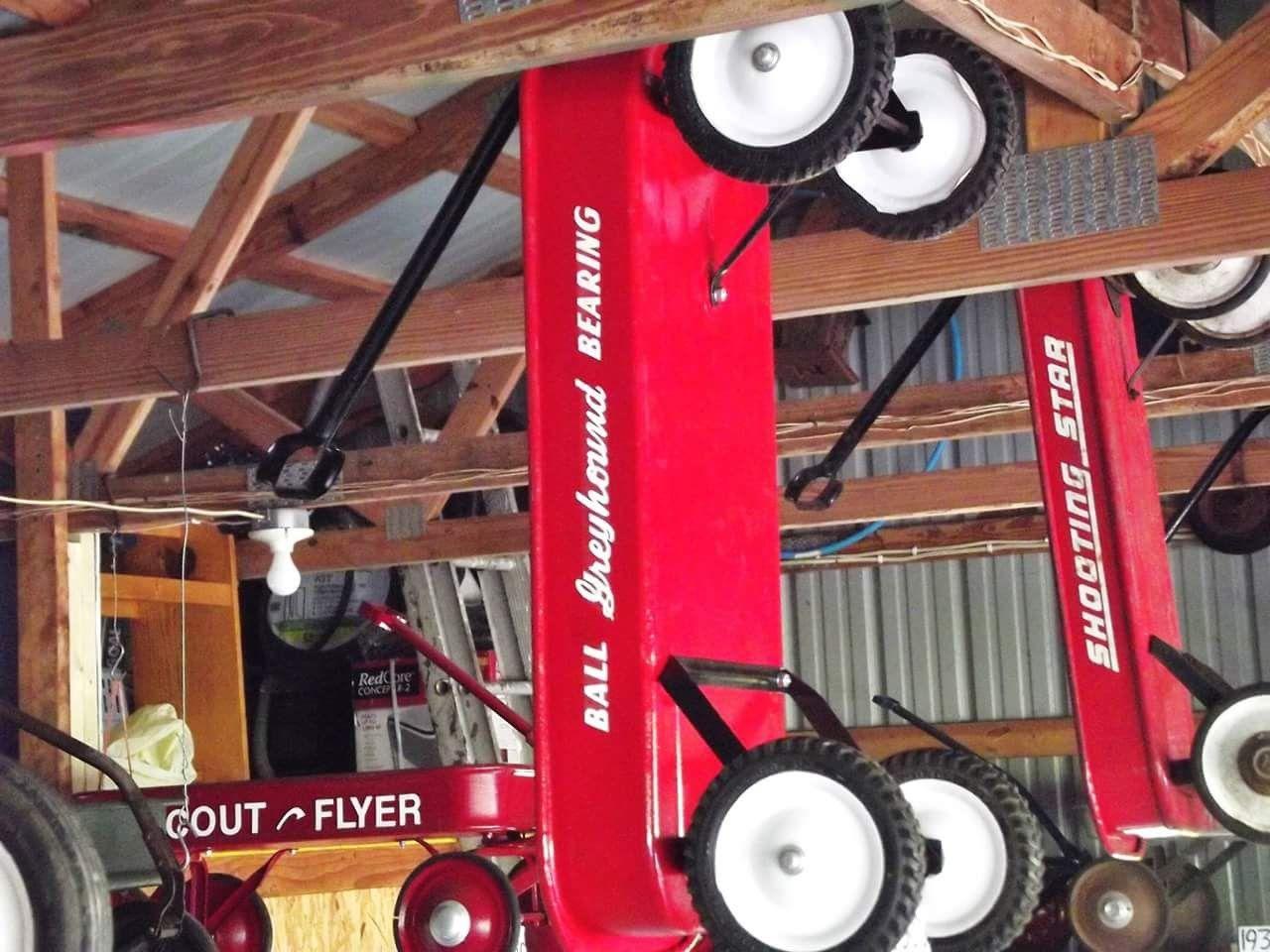 Beautiful display Restoration, Push lawnmower, Wagons