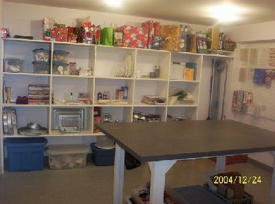 Cake decorating room! One day I will have one. Gush ...