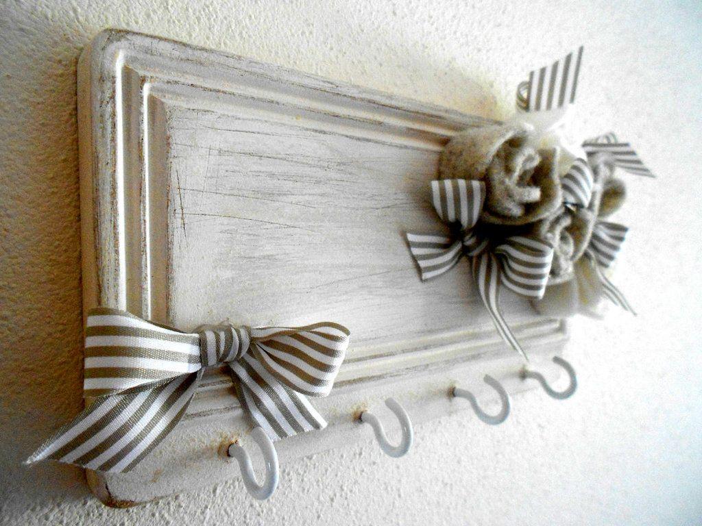 Pareti In Legno Shabby : Portaoggetti da parete in legno e metallo shabby porta oggetti