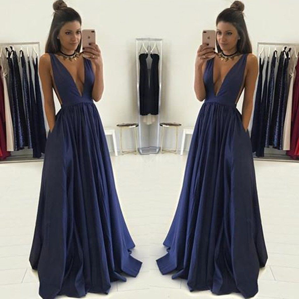 Deep vneck sexy vintage ball gown sleeveless hot sale charming