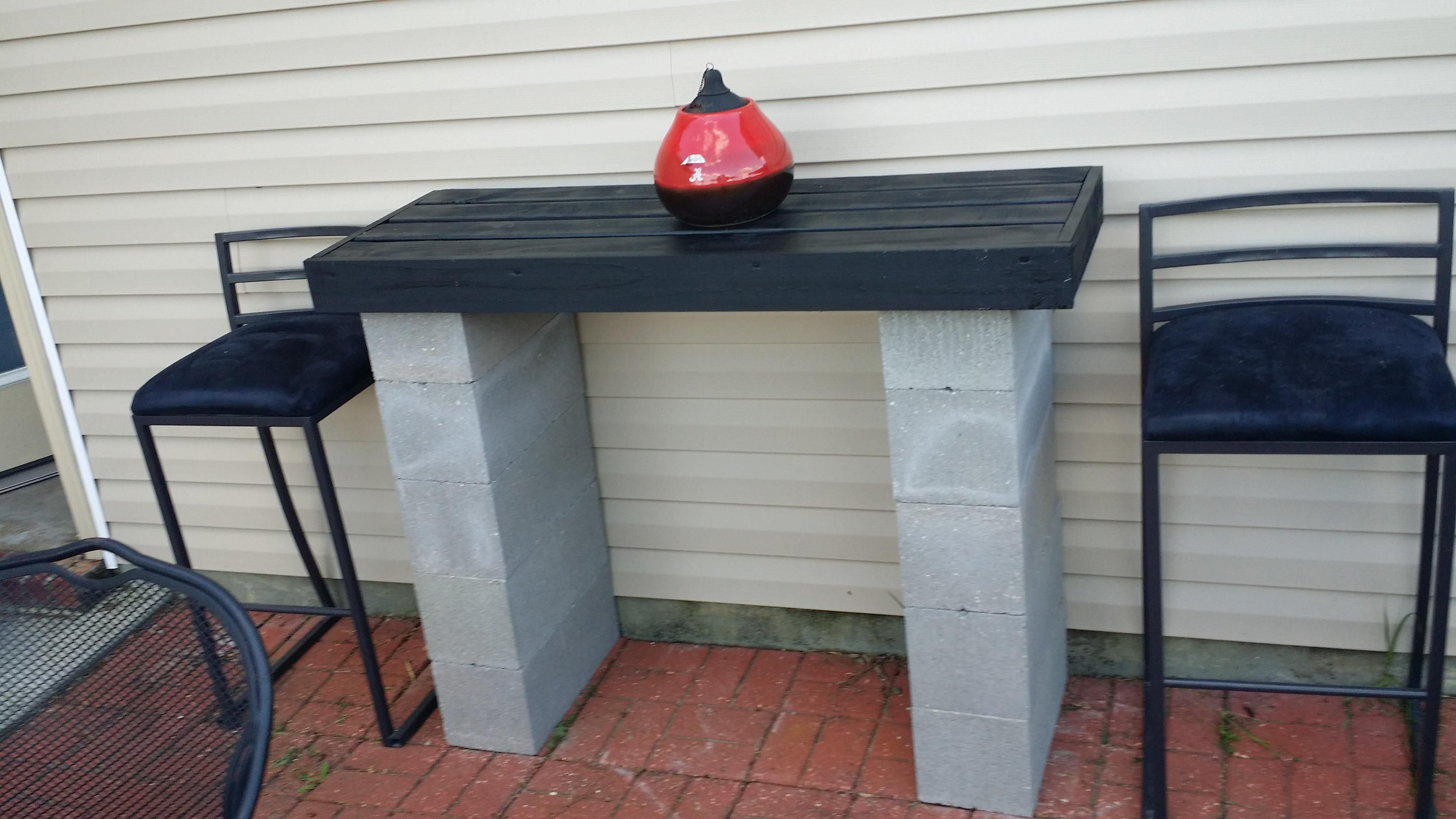 Cinder Block Bar Imgur Cinder Block Furniture Cinder Block Cinder Blocks Diy