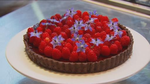 Dark Chocolate Raspberry Tart With Cherry Port Jelly