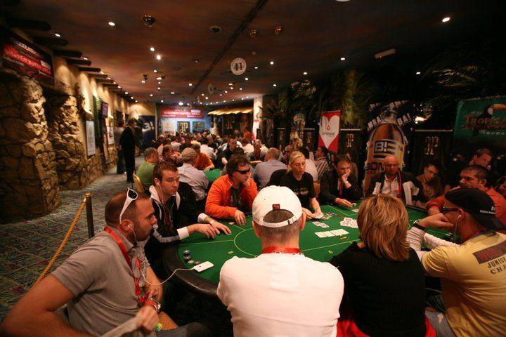 Игровой клуб МиллионЪ приветствует Вас на нашем сайте.Именно казино Миллион настоящее азартное заведение для тех, кто по жизни любит риск и азарт.
