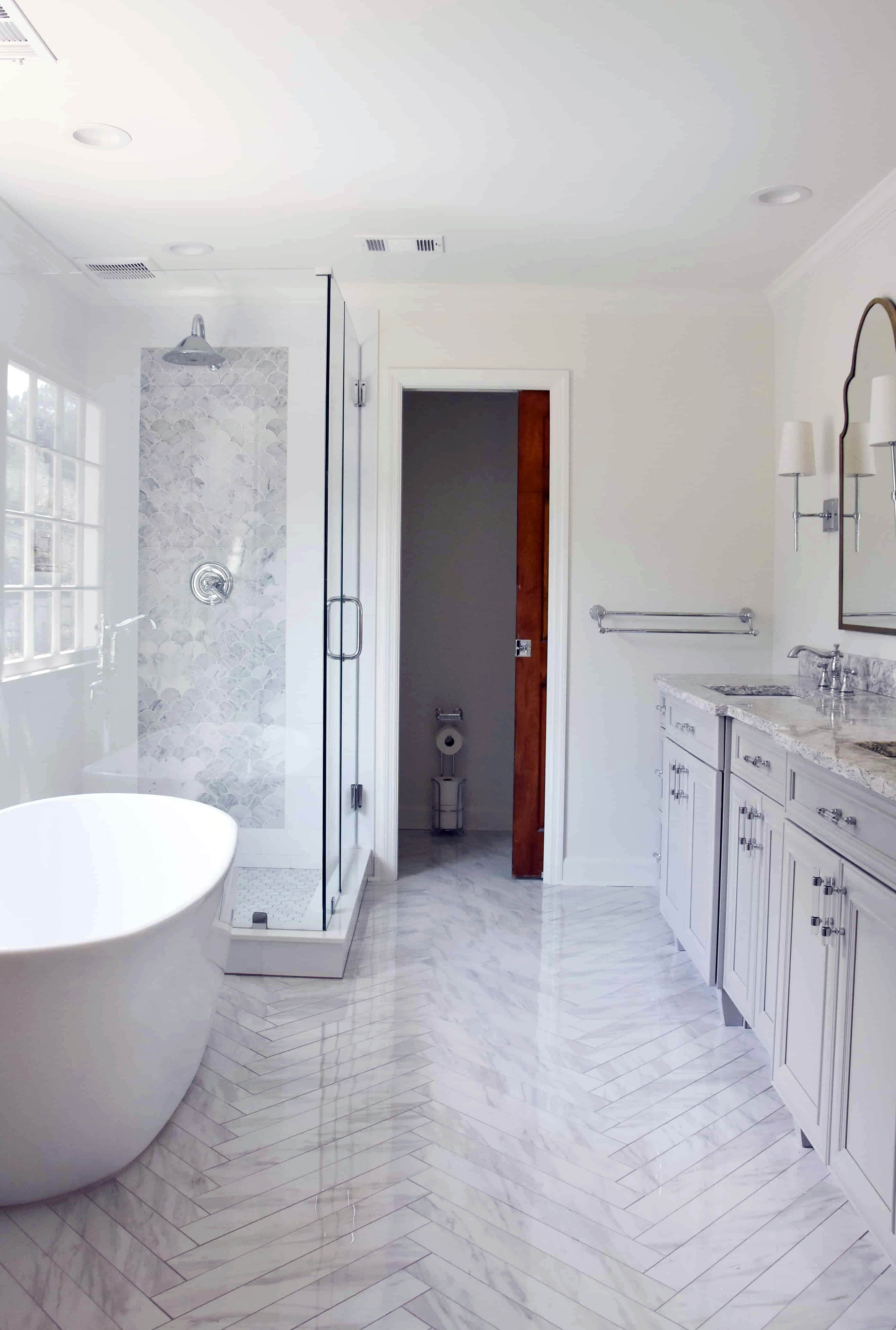 Impressive Houzz Master Bathroom Tile Ideas On This Favorite Site Budget Bathroom Remodel Bathrooms Remodel Master Bathroom Design
