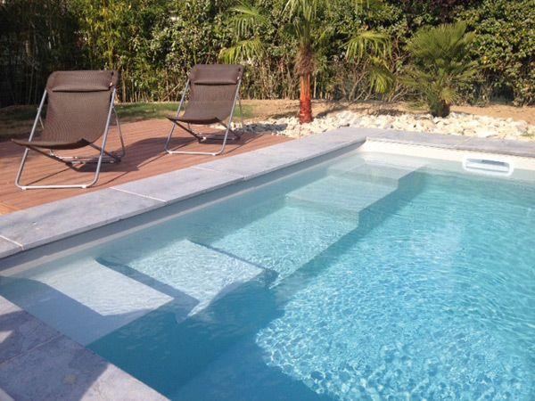 les escaliers pour piscines enterr es caron piscines piscine. Black Bedroom Furniture Sets. Home Design Ideas