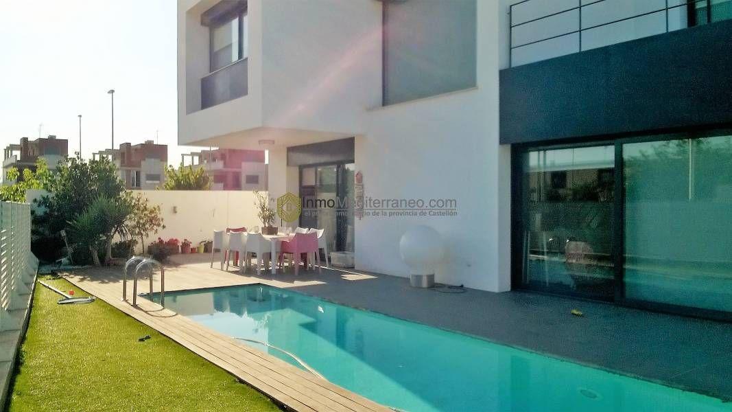 Villa zona Pau Lledo en Castellón 5 habitaciones 3 baños, full equipe Garaje para 3 coches http://nazca-alliance.com/es/activo/villa-pau-lledo-castellon-csvi01