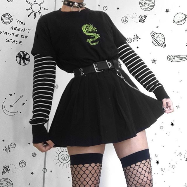 Wear or tear? ???????? Living my best punk goth life tbh ⛓???? Thx @punkdesignshop for the hoodie and choker ????. . #grunge #softgrunge… #grungegoth